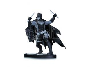 DC DIRECT BATMAN B/W BATMAN EARTH 2 STATUE STATUA