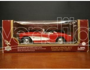 Road Legends 66303 CHEVROLET CORVETTE 1957 RED 1/24 Scatola rovinata Modellino