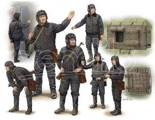 Trumpeter TP0434 SOVIET SOLDIER SCUD B CREW KIT 1:35 Modellino