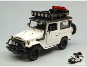 Motormax MTM79137W TOYOTA FJ40 LAND CRISER 1974 WHITE 1:24 Modellino