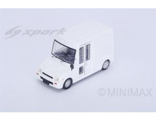 Spark Model SJ042 DAIHATSU MIRA WALK THROUGH VAN 1990 1:43 Modellino