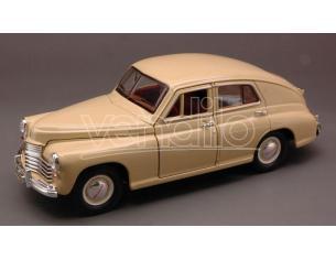 Hot Wheels LDC24214CR GAZ M20 POBEDA (VITTORIA) 1946-58 CREAM 1:24 Modellino