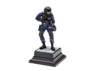 Revell RV02805 SWAT OFFICER KIT 1:16 1:16 Modellino