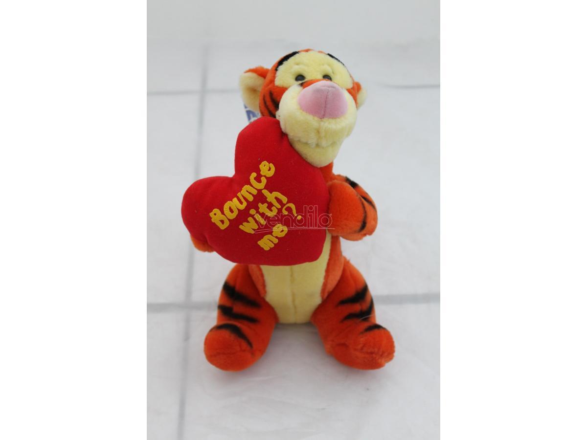 Disney Winnie The Pooh - Tigro seduto con cuore Peluche 26cm