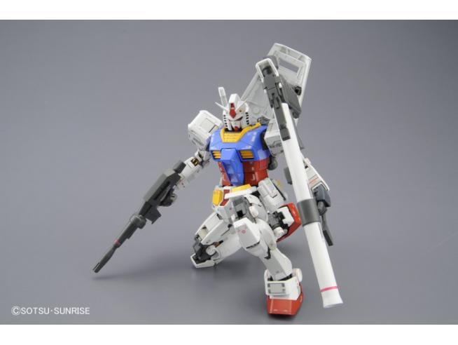 BANDAI MODEL KIT MG GUNDAM RX-78-2 VER 3.0 1/100 MODEL KIT