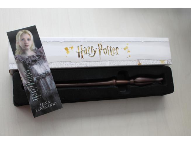 Harry Potter Bacchetta Magica - Luna Lovegood Con Segnalibro 3d Noble Collection
