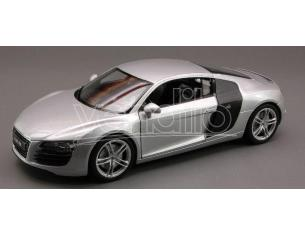 Welly WE1601 AUDI R 8 2007 SILVER 1:24 Modellino