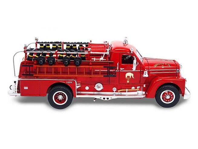 LUCKY DIE CAST LDC20168 SEAGRAVE MODEL 750 1958 FIRE TRUCK 1:24 Modellino
