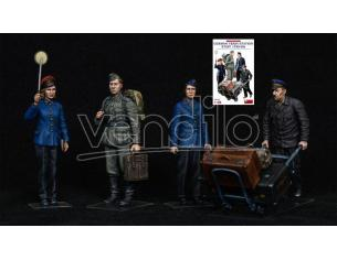 MINIART MIN38010 GERMAN TRAIN STATION STAFF 1930-40 KIT 1:35 Modellino