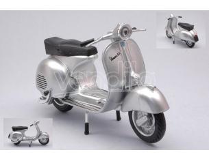 NEW RAY NY57863 VESPONE VESPA 150 GS 1956 SILVER 1:12 Modellino