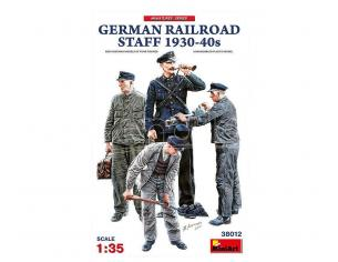 MINIART MIN38012 GERMAN RAILROAD STAFF 1930-40s KIT 1:35 Modellino