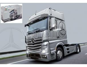Italeri IT3905 MERCEDES ACTROS MP4 GIGASPACE KIT 1:24 Modellino