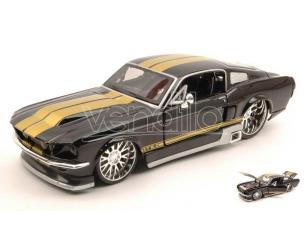 Maisto MI31094BK FORD MUSTANG GT 1967 BLACK W/GOLD STRIPES 1:24 Modellino