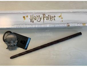 Harry Potter Bacchetta Magica Professoressa Sibilla Cooman + Piedistallo Noble Collection
