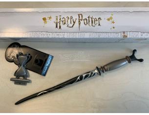Harry Potter Bacchetta Magica Professor Horace Lumacorno + Piedistallo Noble Collection