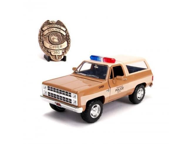 Stranger Things Diecast Model 1/24 Chief Hopper's 1980 Chevy K5 Blazer Con Badge Jada Toys