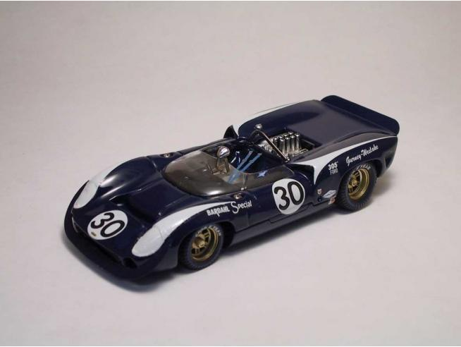 Best Model BT9189 LOLA T70 SPYDER N.30 WINNER BRIDGEHAMPTON 1966 D.GURNEY 1:43 Modellino