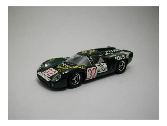 Best Model BT9295 LOLA T 70 COUPE' N.32 DNF 1000 KM ZELTWEG 1969 PIPER-QUESTER 1:43 Modellino