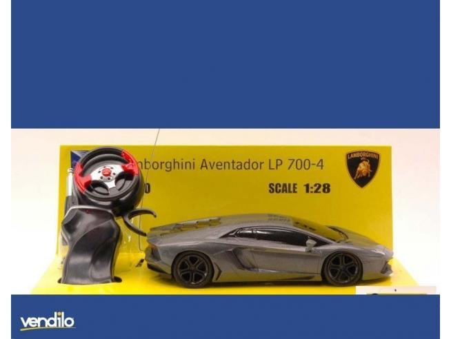 New Ray NY88704 LAMBORGHINI AVENTADOR RADIOCOMANDO 1:28 Modellino